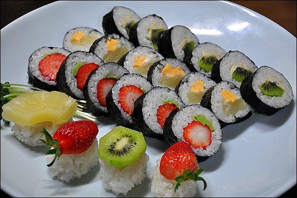 ♬ 눈으로 먹으면서 맛으로 즐기는 삼색과일 김초밥